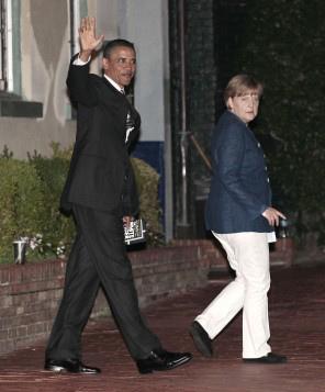1789 obama walks