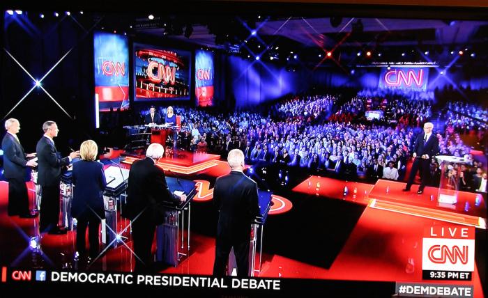 民主党討論会の様子