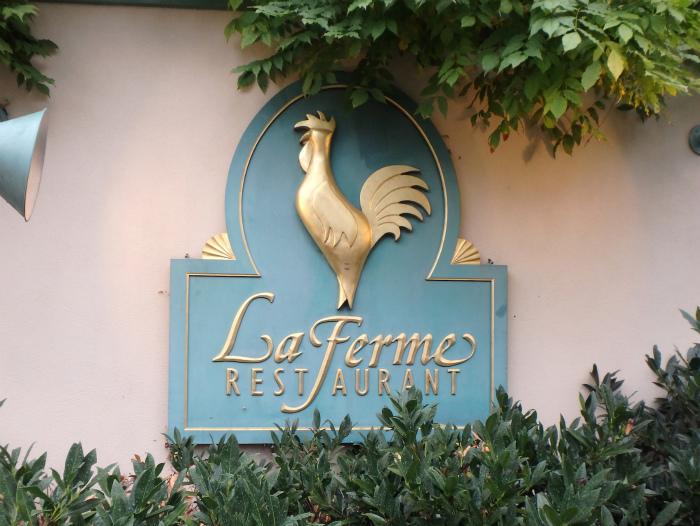 La Fermeの看板