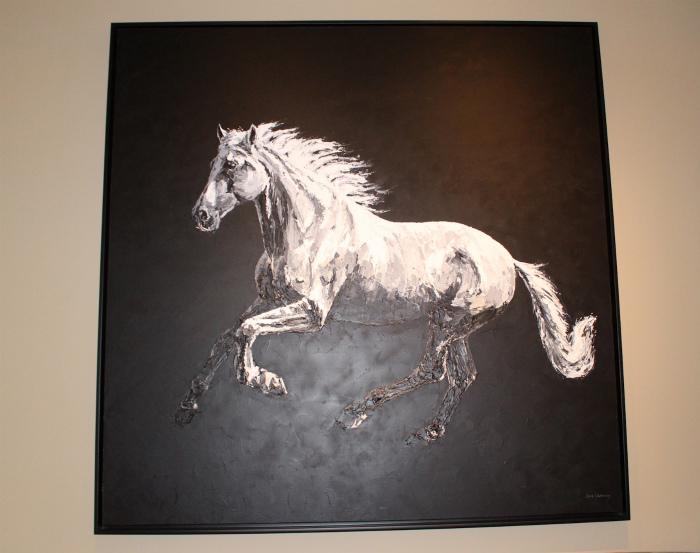 サラマンダーリゾートの中には馬の絵がいっぱい