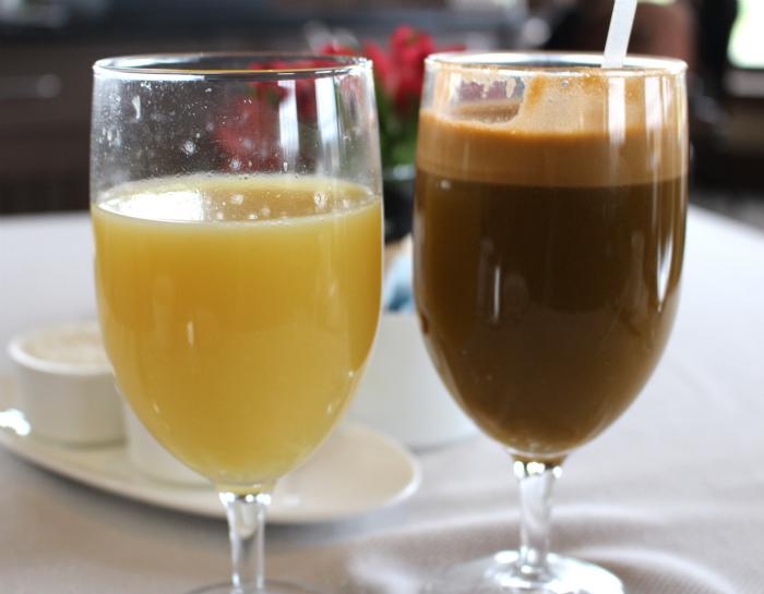 サラマンダーリゾートの朝食のジュース