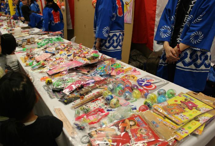 新春祭りの売り場